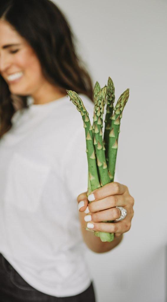 Image of Sarah Bridgeman holding asparagus