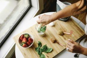 Image of Sarah Bridgeman making a smoothie